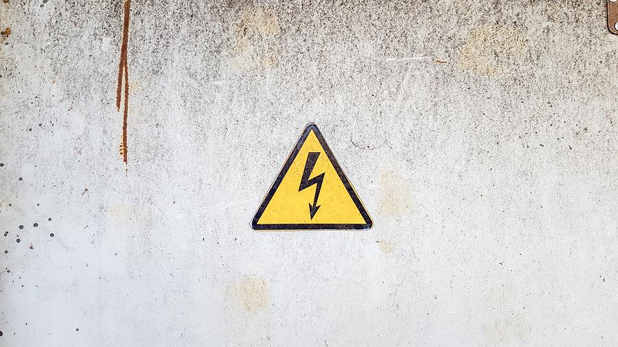 Electricity danger hazchem sign